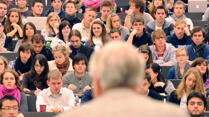 Studium Hochschule Professor Studenten Studienplatz