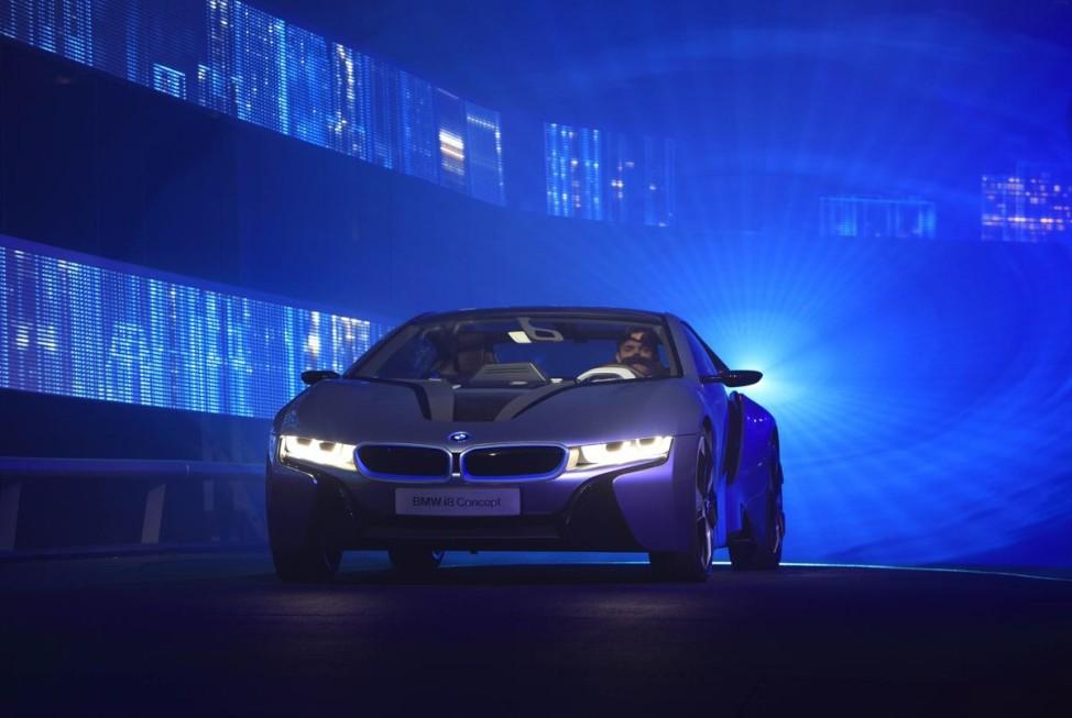 Nachtaufklärer Laserlicht BMW i8 Concept