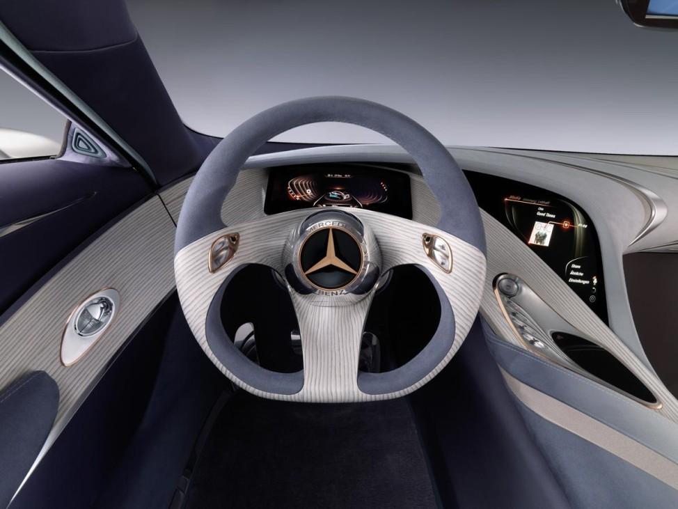 Always on Mercedes-Benz Comand Online