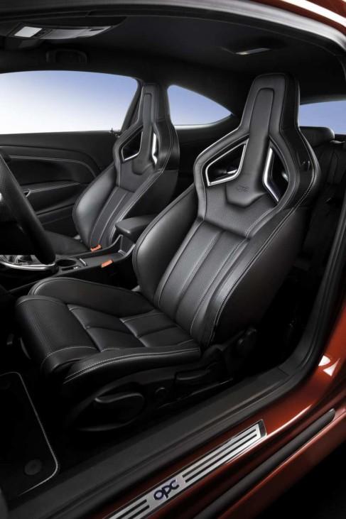 Ein Blitz mit mehr Power Opel Astra OPC