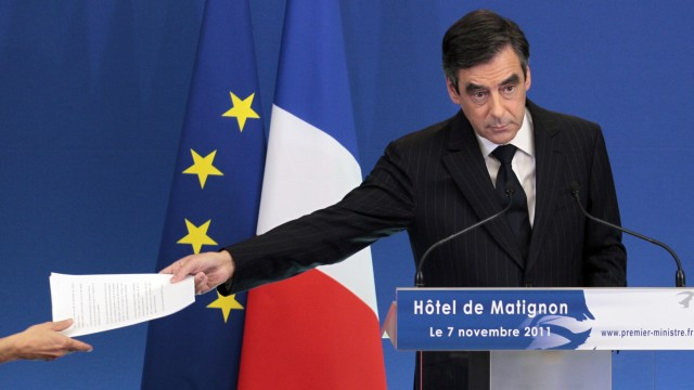 FRANCE-BUDGET-CRISIS-AUSTERITY