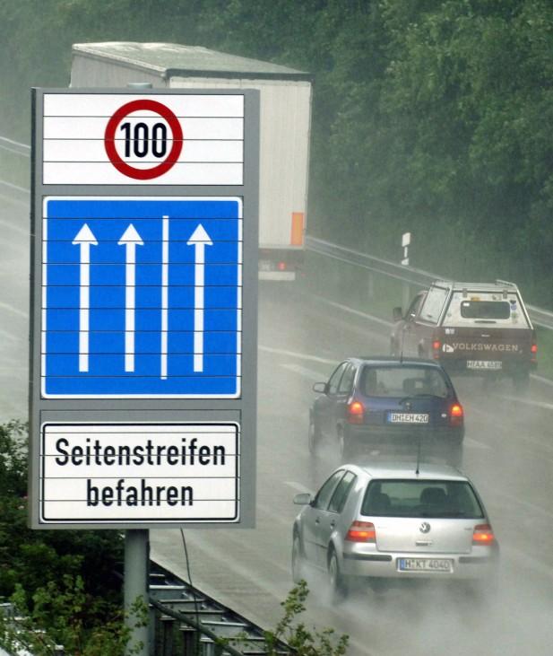 Autobahn-Seitenstreifen nutzbar