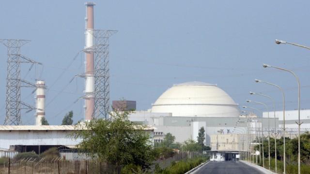 Teherans Atomprogramm: Dieses Foto aus dem Jahr 2010 zeigt ein iranisches Atomkraftwerk in der Nähe der Stadt Bushehr, im Süden des Landes.