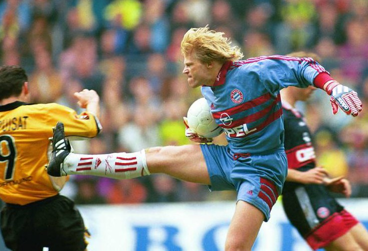 Oliver Kahn attackiert Stephane Chapuisat