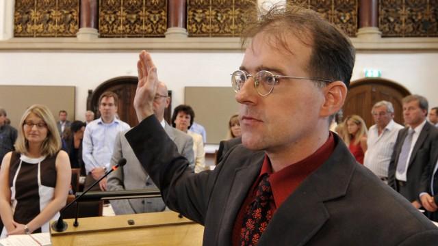 Muenchner Stadtrat Richter muss Eid wegen Hitlergruss wiederholen