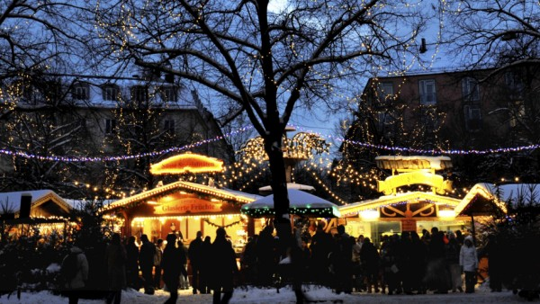 Weihnachtsmarkt am Weißenburger Platz