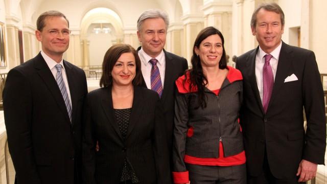 Wowereit stellt SPD-Senatoren vor