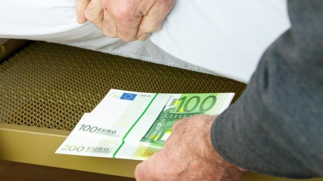 Ganz ohne Risiko geht es nicht - Was Anleger 2012 tun sollten