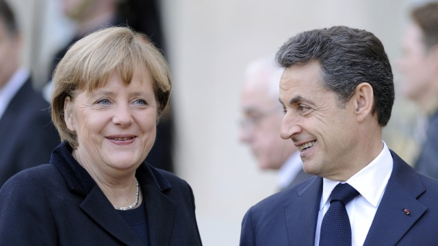 FRANCE-germany-SARKOZY-MERKEL-ELYSEE