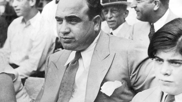 Al Capone mit Sohn, 1931