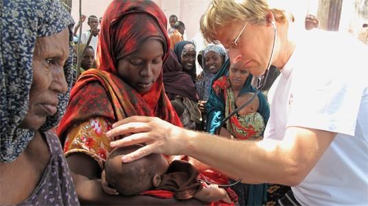 Dr. Tankred Stöbe in Mogadischu/Somalia, Ärzte ohne Grenzen
