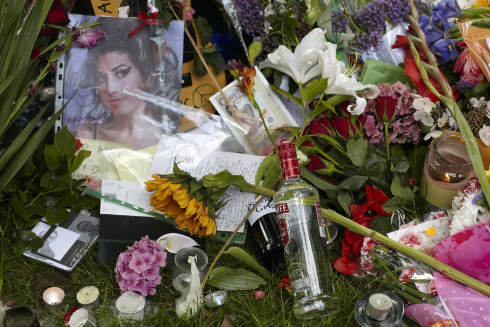 British Singer Amy Winehouse Found Dead