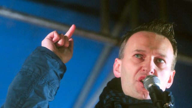 Bloggender Rebell Nawalny piesackt Moskaus Machtelite