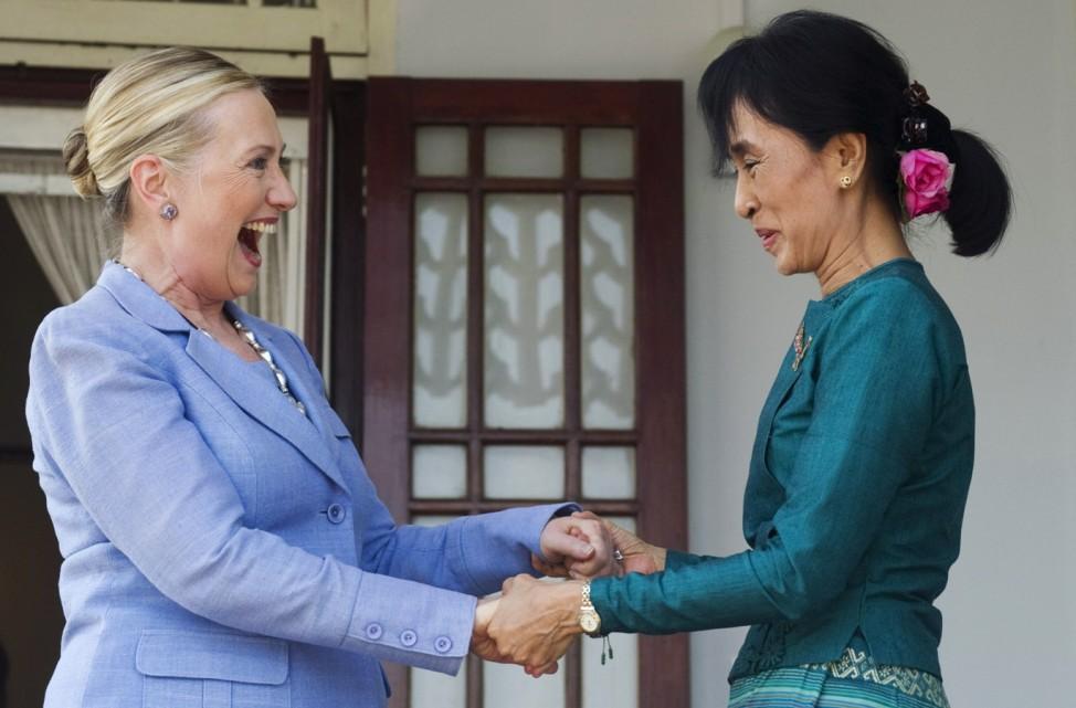Aung San Suu Kyi, Hillary Rodham Clinton