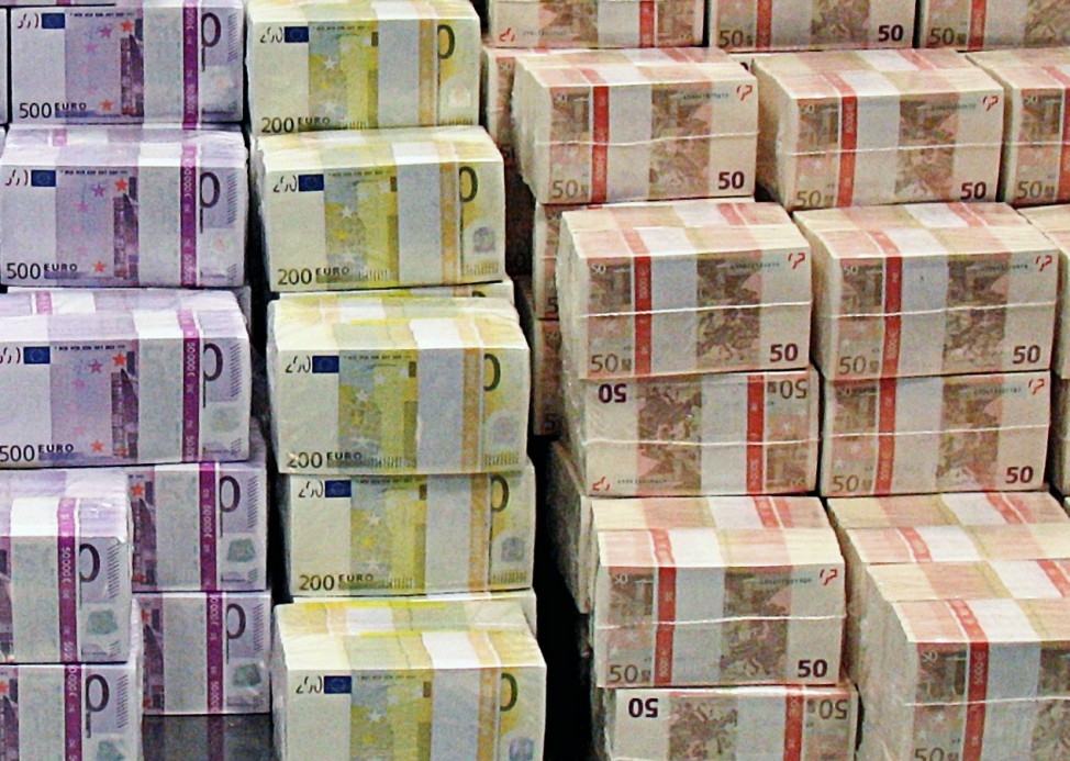 EZB leiht Banken fast 500 Milliarden Euro