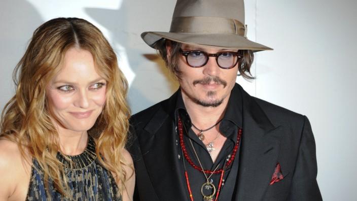 Streit mit Amber Heard: Damals noch zusammen: Vanessa Paradis und Johnny Depp bei den Filmfestspielen in Cannes im Jahr 2010.