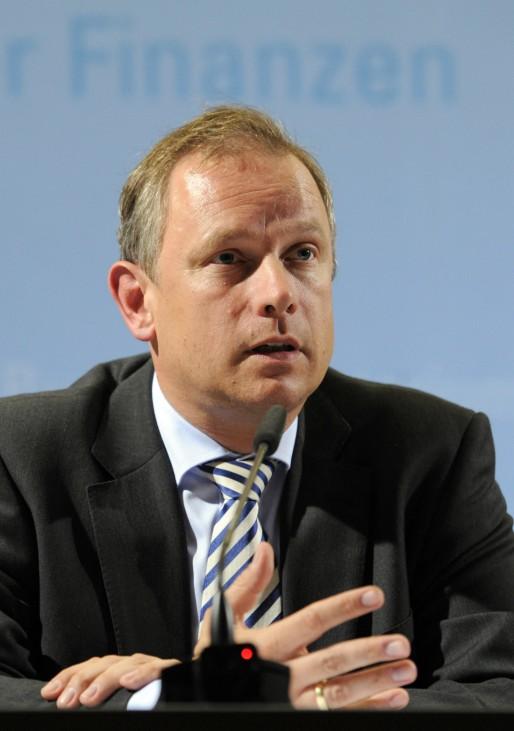 Minister will Sparkassenpräsident werden