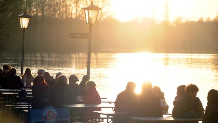 Biergarten in München: Seehaus im Englischen Garten