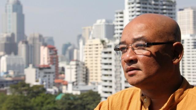 Komiker Zarganar in Birma: In den Jahren der Diktatur wurde der birmanische Komiker Zarganar für seine Witze verfolgt, eingesperrt und gefoltert. Nun ist er frei und erlebt in Bangkok eine ganz neue Welt.