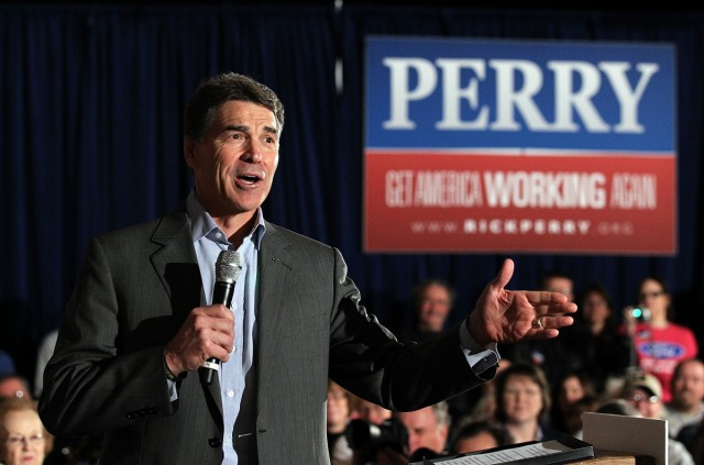 Perry Presses On With Campaign Tour Of Iowa Ahead Of Caucuses