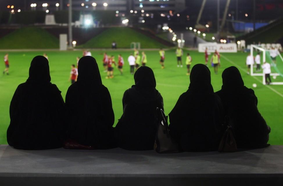 ***BESTPIX*** FC Bayern Muenchen - Doha Training Camp Day 1