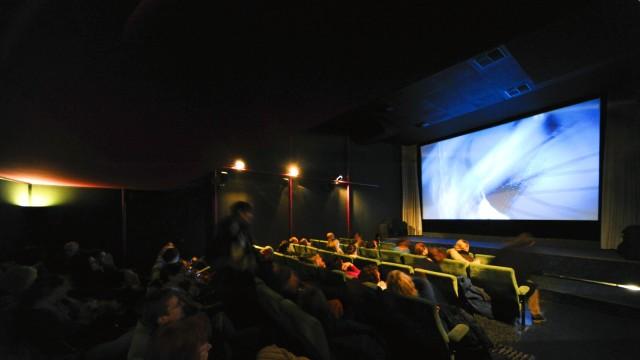 """Immer mehr Kinos schließen: Noch bis März laufen im """"Atlantis""""-Kino Filme, dann ist Schluss. Wieder macht ein kleines, feines Programmkino dicht."""