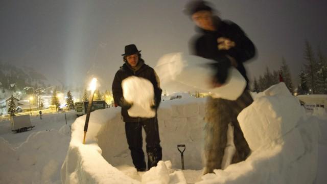 Occupy WEF Davos Iglu
