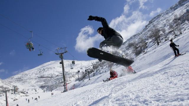 Mitten in ...: Am Mount Hermon liegt Israels einziges Skigebiet.