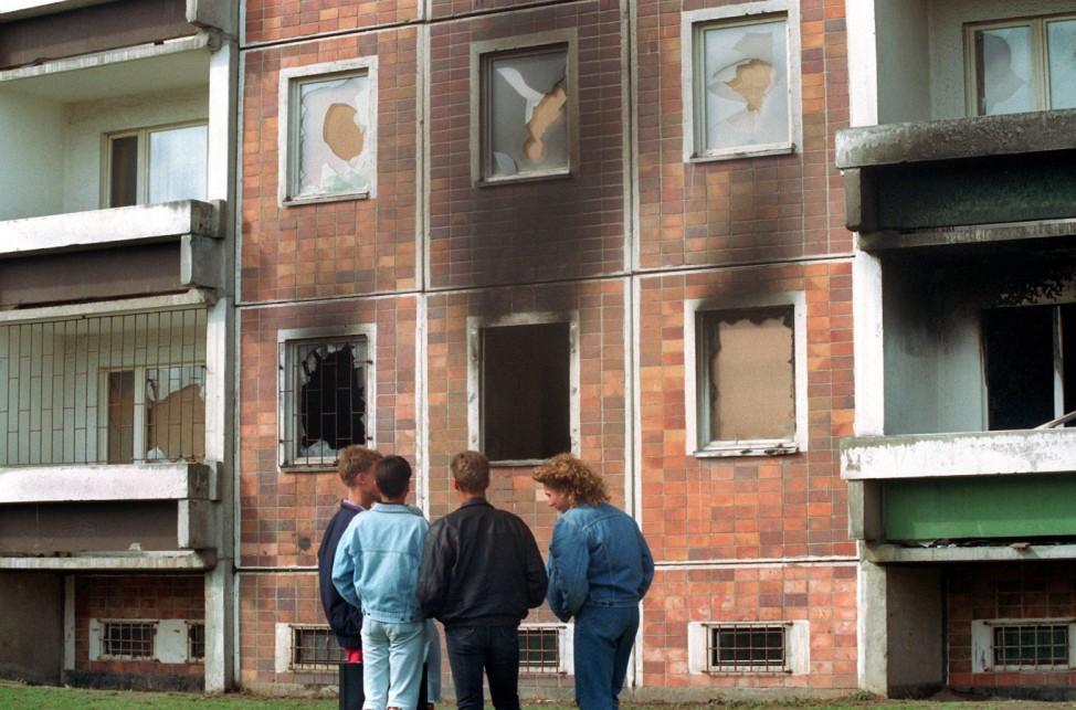 Brandanschlag auf Asylbewerberheim in Rostock-Lichtenhagen, 1992