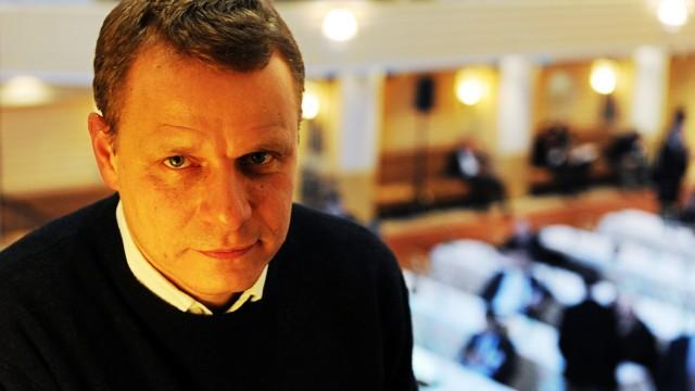 """Thriller """"Unter Feinden"""": Schriftsteller Georg M.Oswald im Bayerischen Hof - dort spielt auch sein Thriller."""