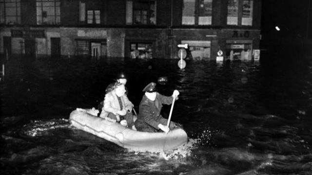 Bundeswehr koennte laut Kommandeur bei Sturmflut helfen