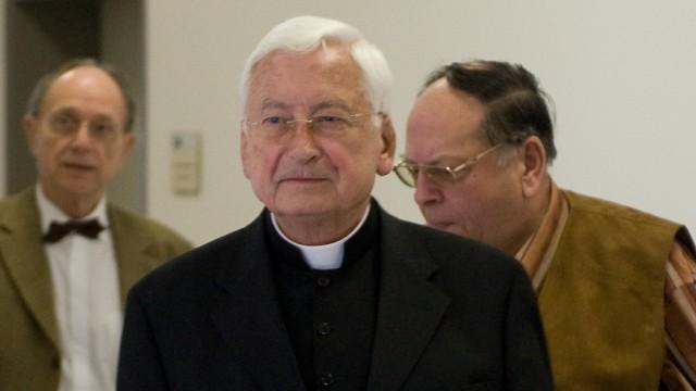 Prozess wegen Betrugs mit Zeugenaussage des ehemaligen Bischofs Mixa