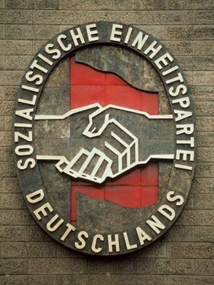 Parteiabzeichen SED