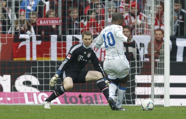 Ryan Babel, Manbuel Neuer