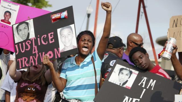 Proteste in den USA nach Tod eines Teenagers: Der 17-jährige Trayvon Martin wurde vor wenigen Wochen in der Kleinstadt Sanford in Florida auf dem Rückweg von einem Süßigkeitenladen erschossen.