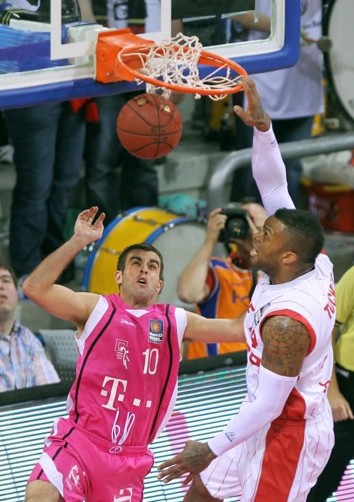 Telekom Baskets Bonn - Brose Baskets Bamberg
