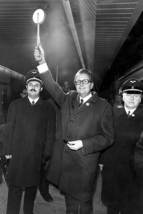 Hans-Jochen Vogel eröffnet S-Bahn