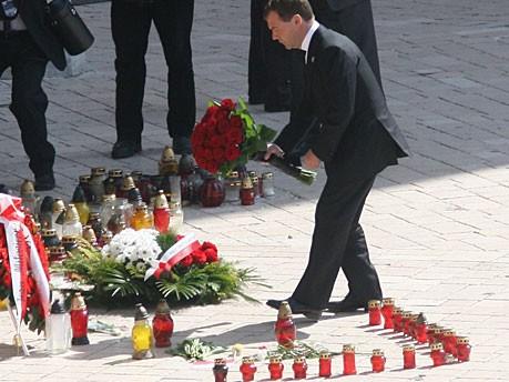 Russlands Präsident Dmitrij Medwedjew hingegen kommt nach Krakau Kaczynski dpa
