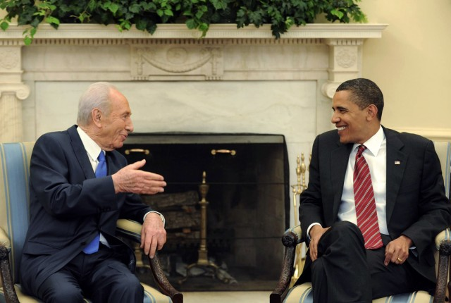 U.S. President Barack Obama meets Israel's President Shimon Peres in Washington