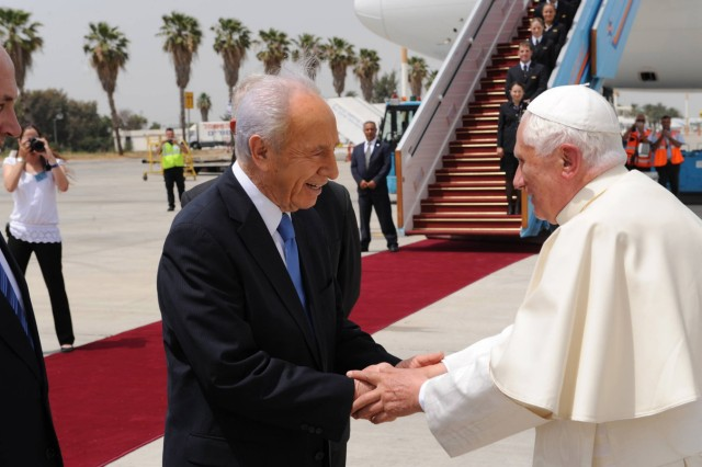 Pope Benedict XVI Farewell Ceremony At Ben Gurion Airport