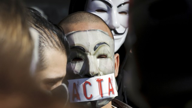 FRANCE-DEMO-INTERNET-COPYRIGHT-LAW-ACTA-ANONYMOUS