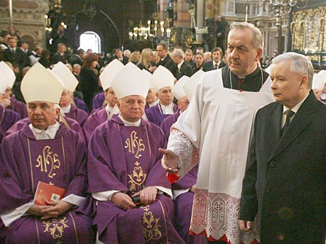 Jaroslaw Kaczynski Totenmesse Krakau dpa