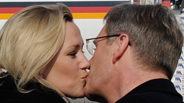 Ex-Bundespraesident Wulff und Ehefrau veroeffentlichen Erinnerungen