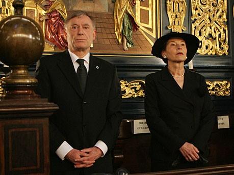 Bundespräsident Horst Köhler Trauergottesdienst Kaczynski Krakau dpa