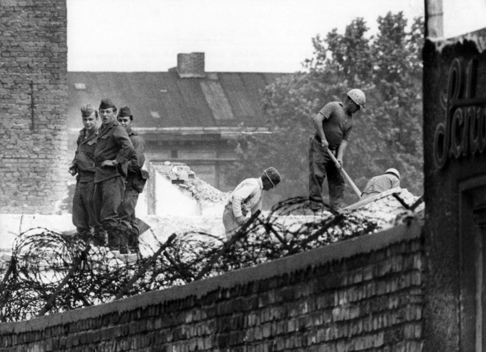 50. Jahrestag des Mauerbaus - Gedenkstätte