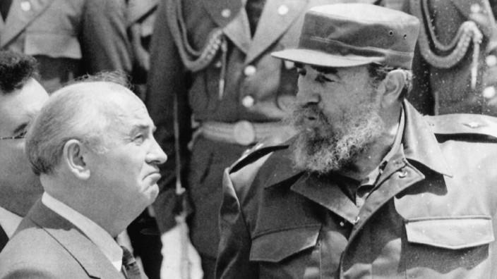 Fidel Castro und Michail Gorbatschow, 1989