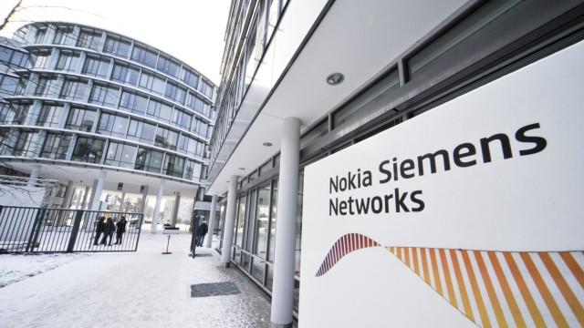 Nokia Siemens Networks bleibt in München: Die Stellen bleiben erhalten, der Standort soll innerhalb der Stadt wechseln. Wo die verbliebenen 2000 Mitarbeiter demnächst unterkommen sollen, ist noch nicht bekannt.