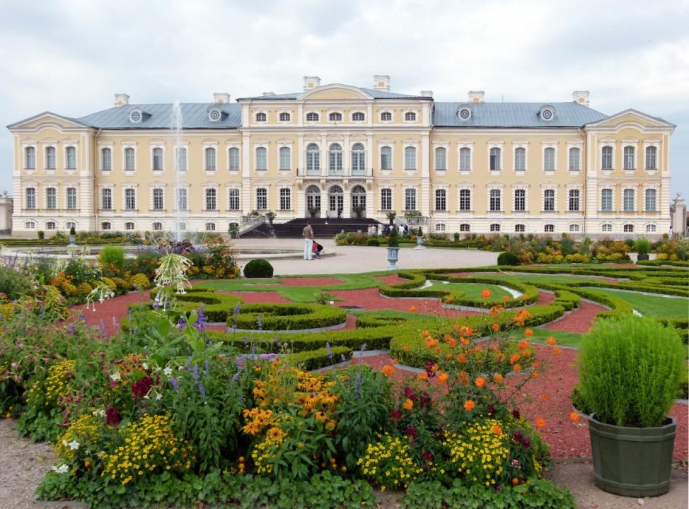 Von Geistern und Gärten: Schlösser und Gutshäuser in Lettland