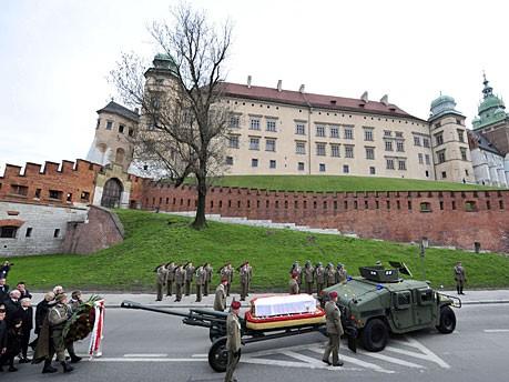Kaczynski Bestattung Marienkirche Wawel AFP