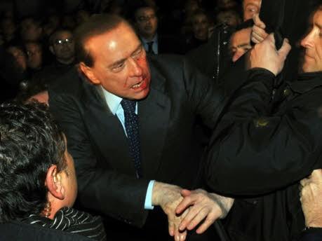 Silvio Berlusconi Mailand Dom Attacke, AP